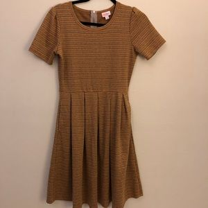 LuLaRoe Amelia Short Sleeve Dress Size Medium
